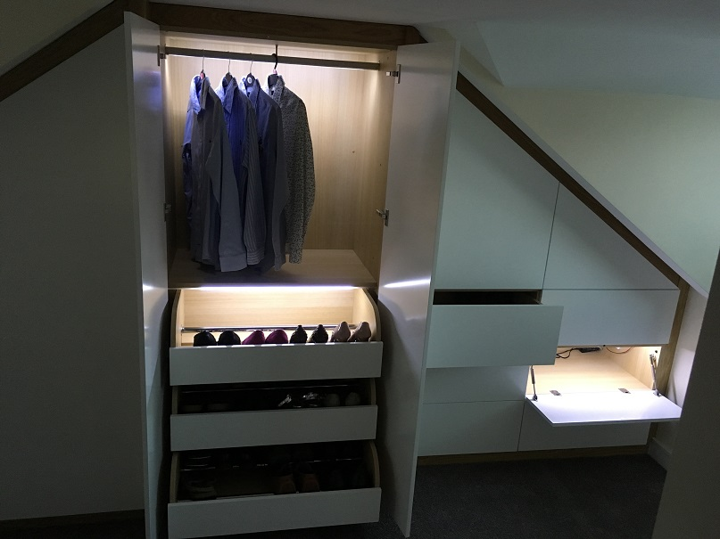 Fitted Wardrobes with several compartments